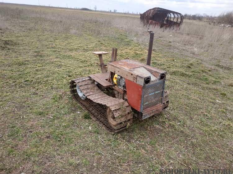 мини трактор на гусеницах